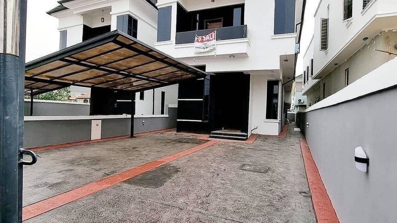 HOUSE & PROPERTY TO BUY IN LEKKI