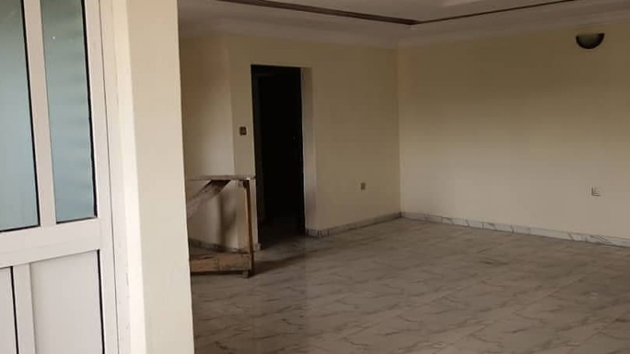 4 bedroom flat in surulere