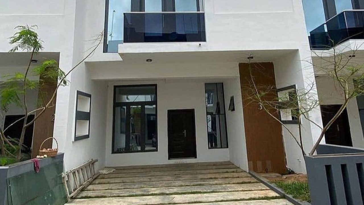 3 bedroom terrace duplex in Ajah for sale