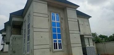 4bedroom duplex for sale in Ezeakiri Naze Owerri