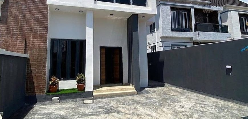 for sale in chevron: 4 bedroom house