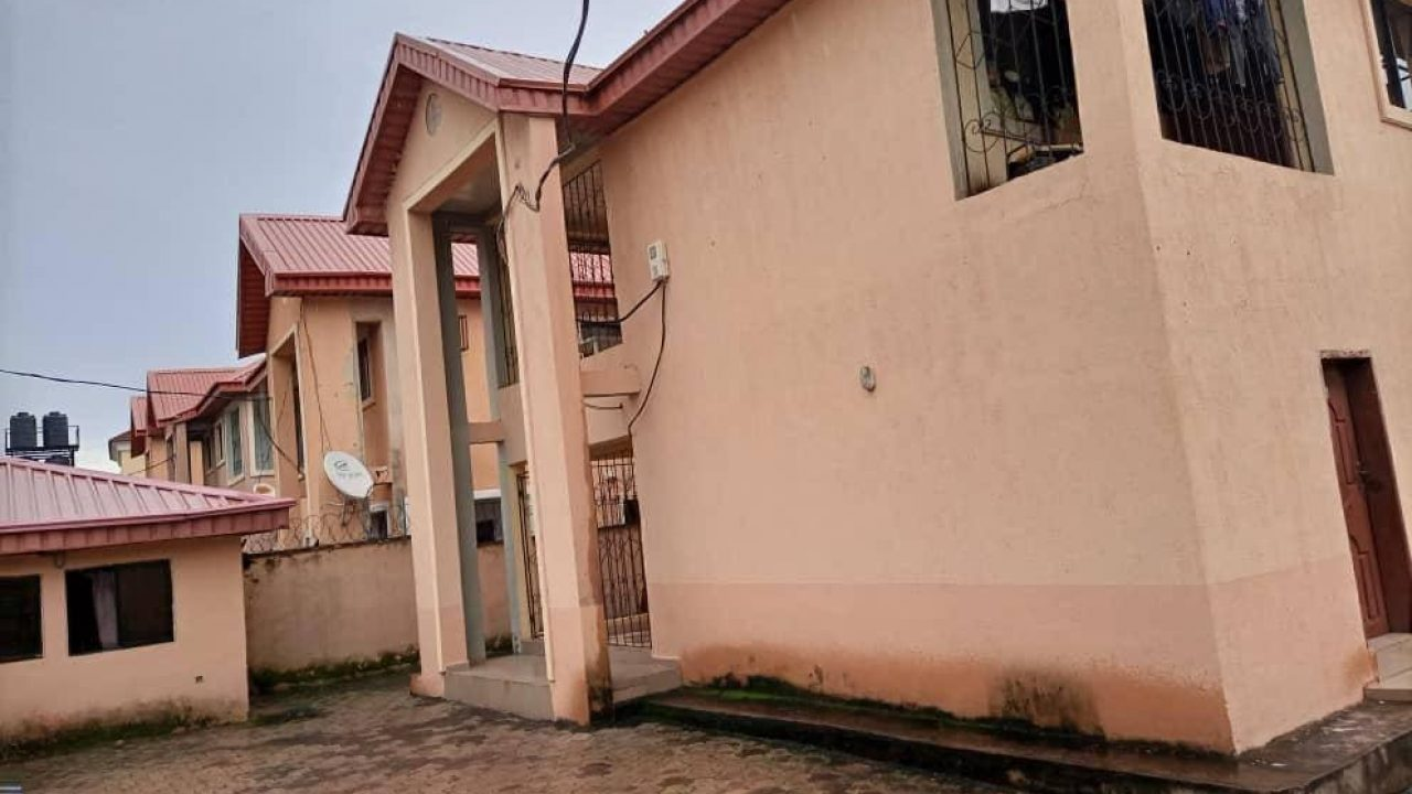 house and property in TOSCANA Enugu