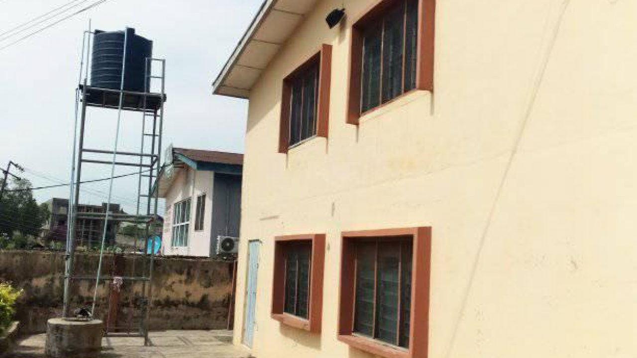 room and parlour for rent in oluyole