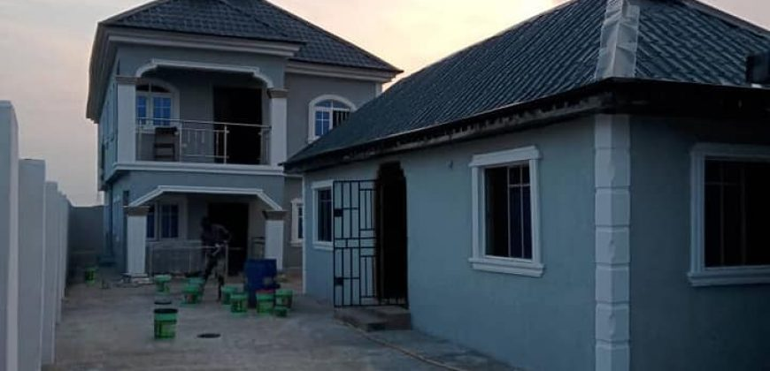 A NEWLY BUILT 4UNITS OF MINI FLATS IN ATAN FOR SALE