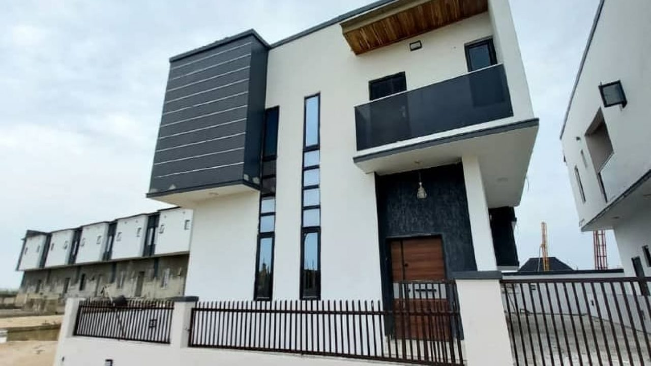 4 bedroom house in ajah for sale