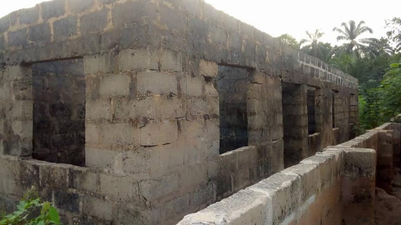 uncompleted 3bed bungalow in ifite Awka for sale