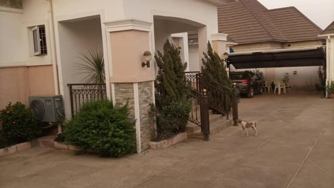 5 BEDROOM BUNGALOW IN LIFE CAMP ABUJA
